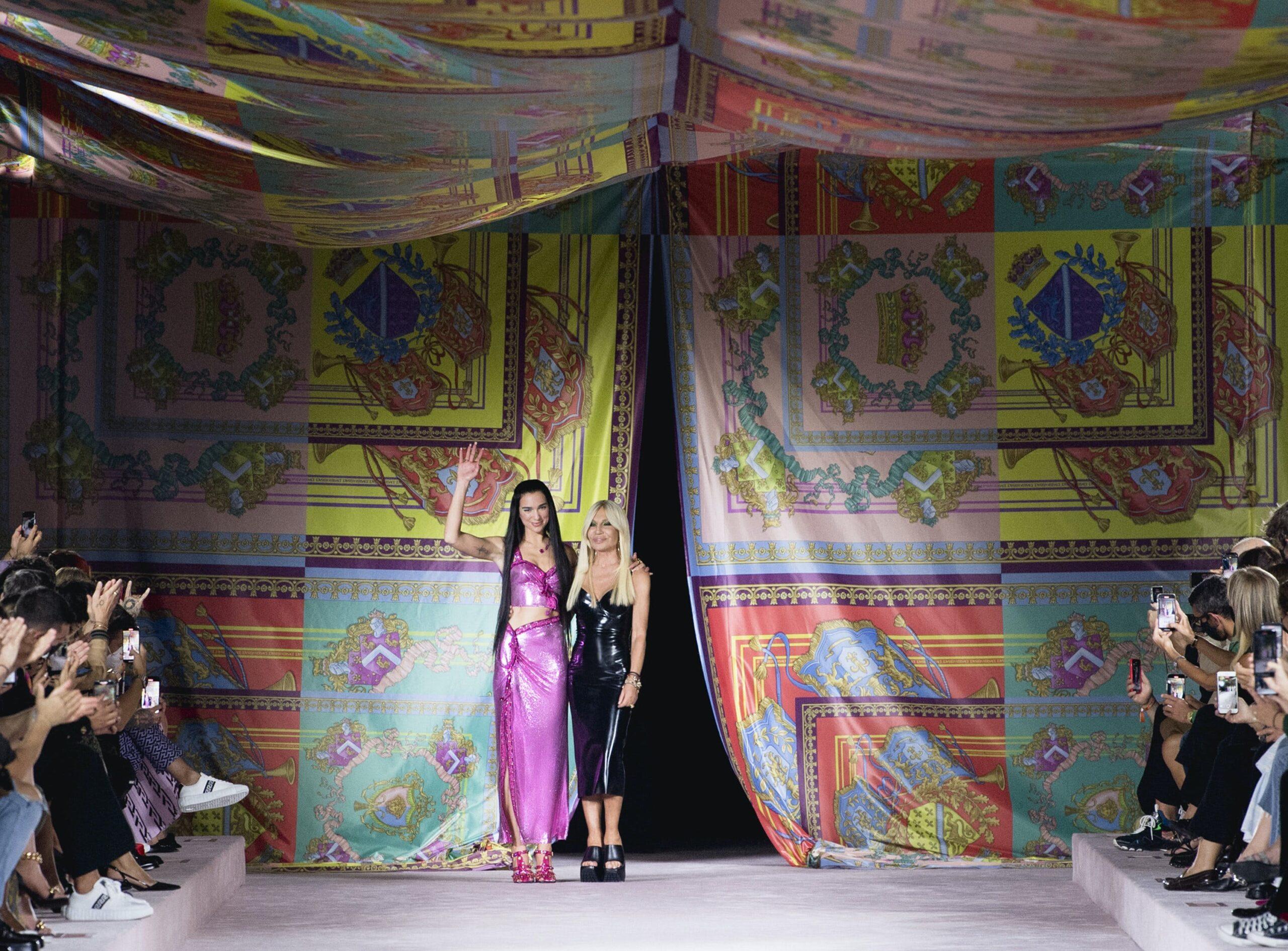 versace scaled - Gli highlights della Milano Fashion Week P/E 22