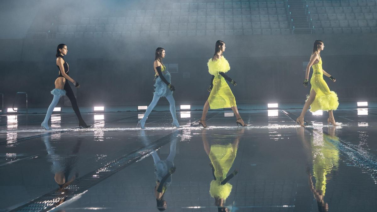 koma copertina - La Primavera/Estate 22 raccontata dalle sfilate della London Fashion Week
