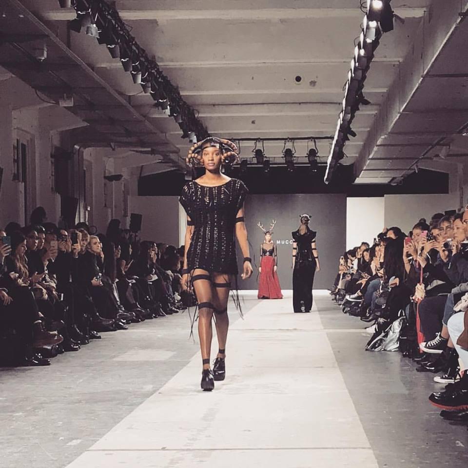 23172809 2049789605265851 6535085245334436447 n - Fashion Graduate Italia: Harim Fashion Show