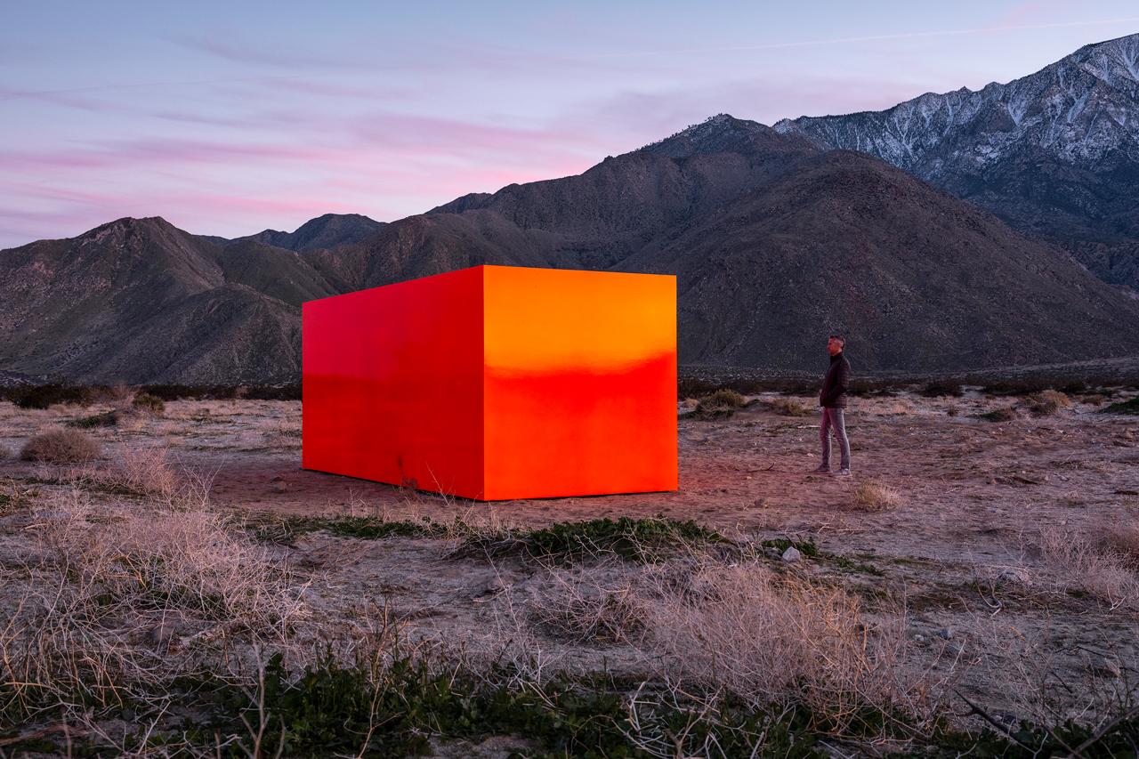 monolith - Ogni cosa è illuminata: neon-art e moda