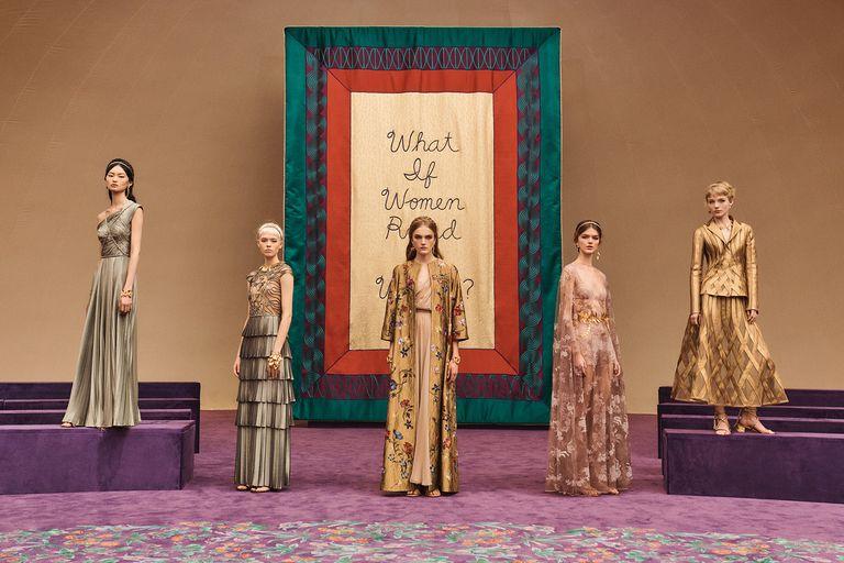dior haute couture spring summer 2020 groupshot c sarah blais 1579612411 - Le sfilate dell'Haute Couture parigina