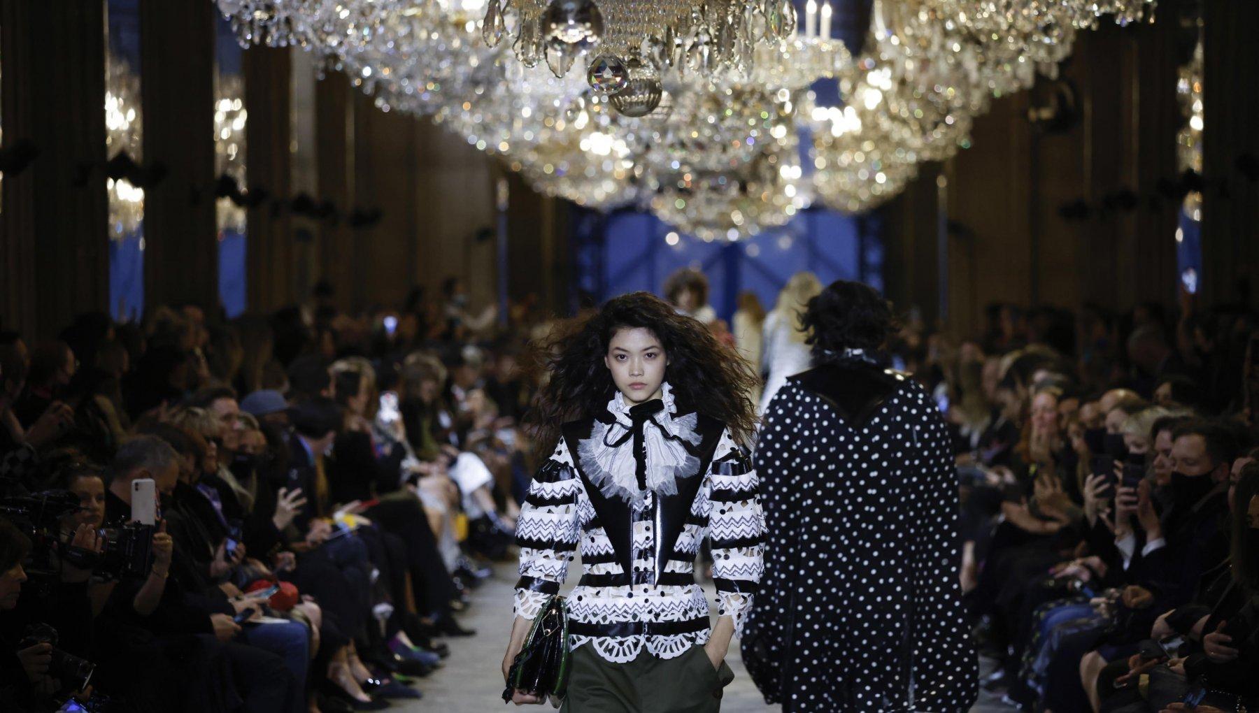 louis vuitton pe 22 - Gli show della Paris Fashion Week P/E 22