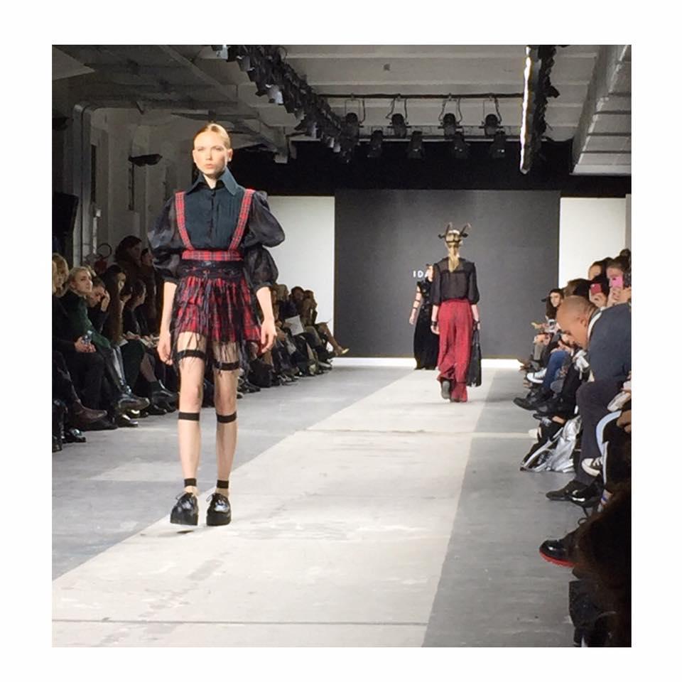 19260601 1567894736632135 458134395219854412 n - Fashion Graduate Italia: Harim Fashion Show