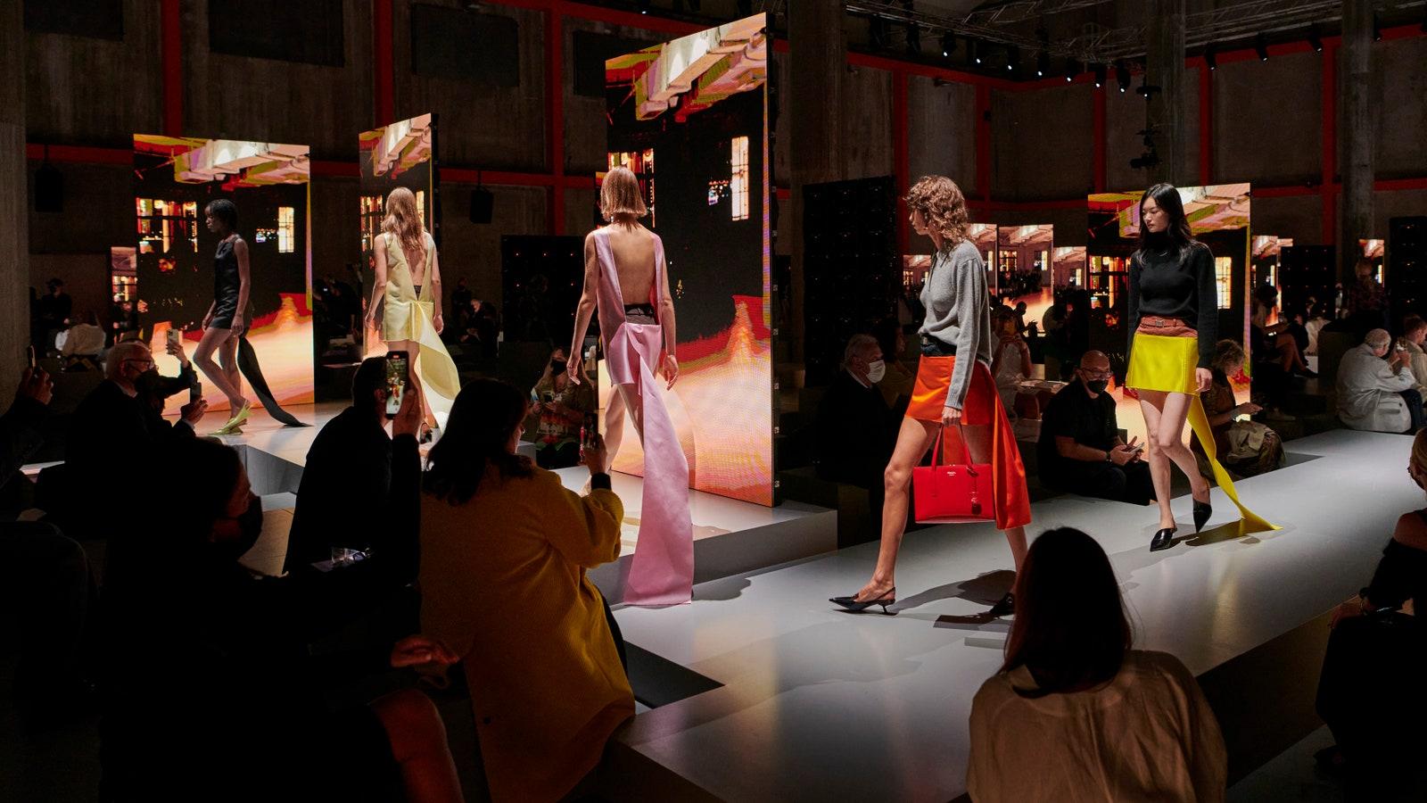 prada - Gli highlights della Milano Fashion Week P/E 22