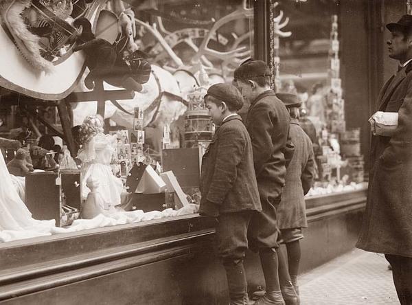 window shopping - Vetrine natalizie: una finestra sui sogni
