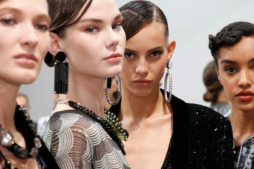 armani MFW 2020 - Una surreale Milano Fashion Week