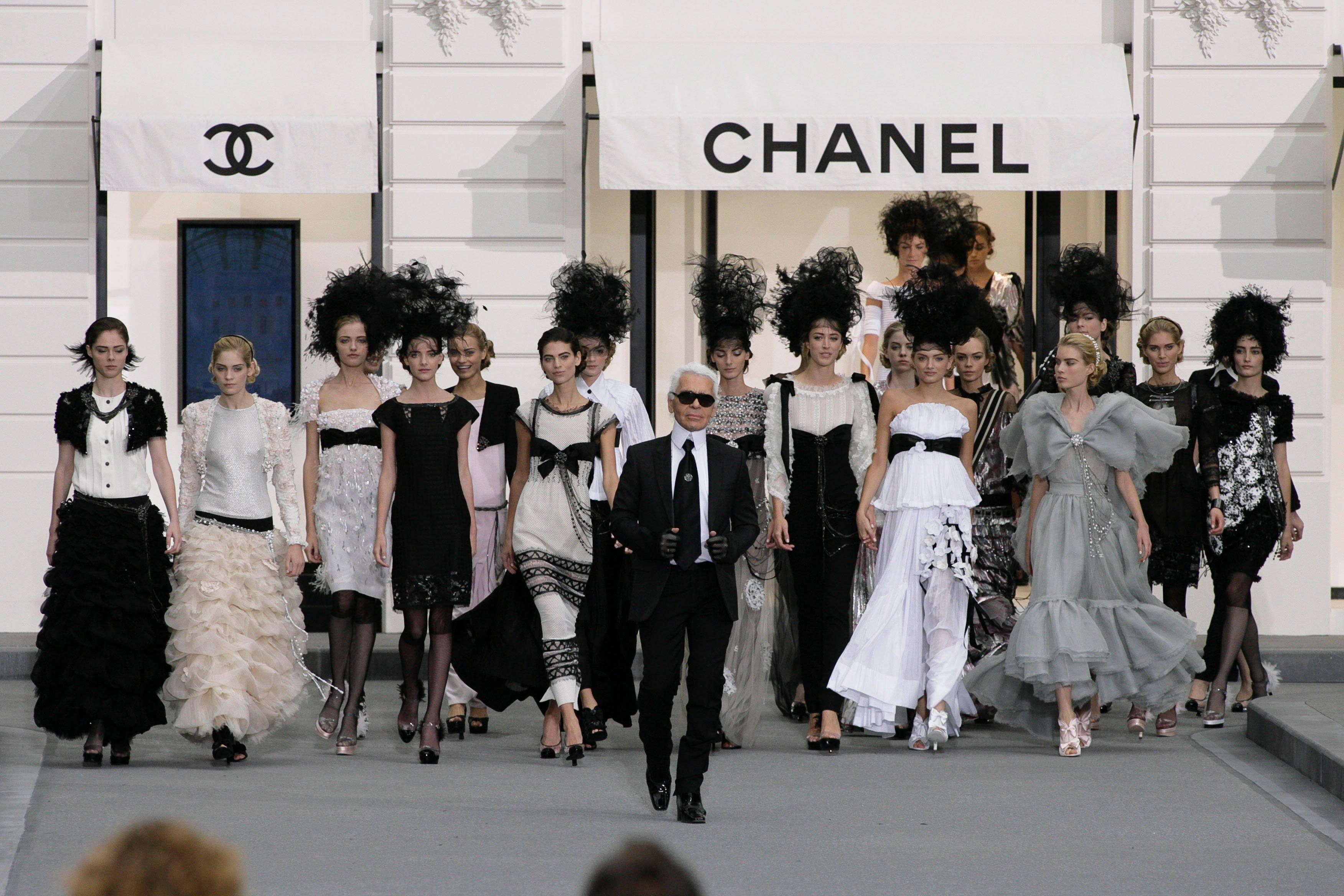 """chanel - """"Il vero lusso? L'intelligenza"""" - ricordando Karl Lagerfeld"""