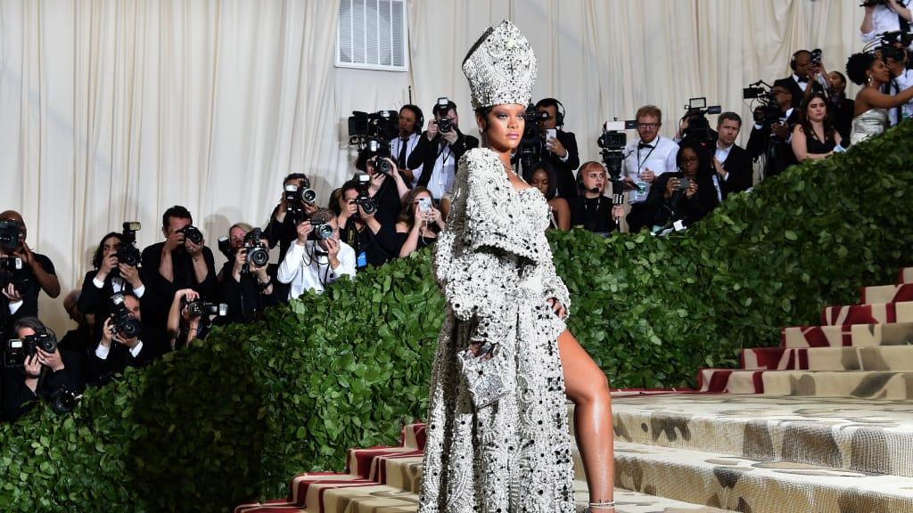 rhianna - Camp: la moda è esagerazione