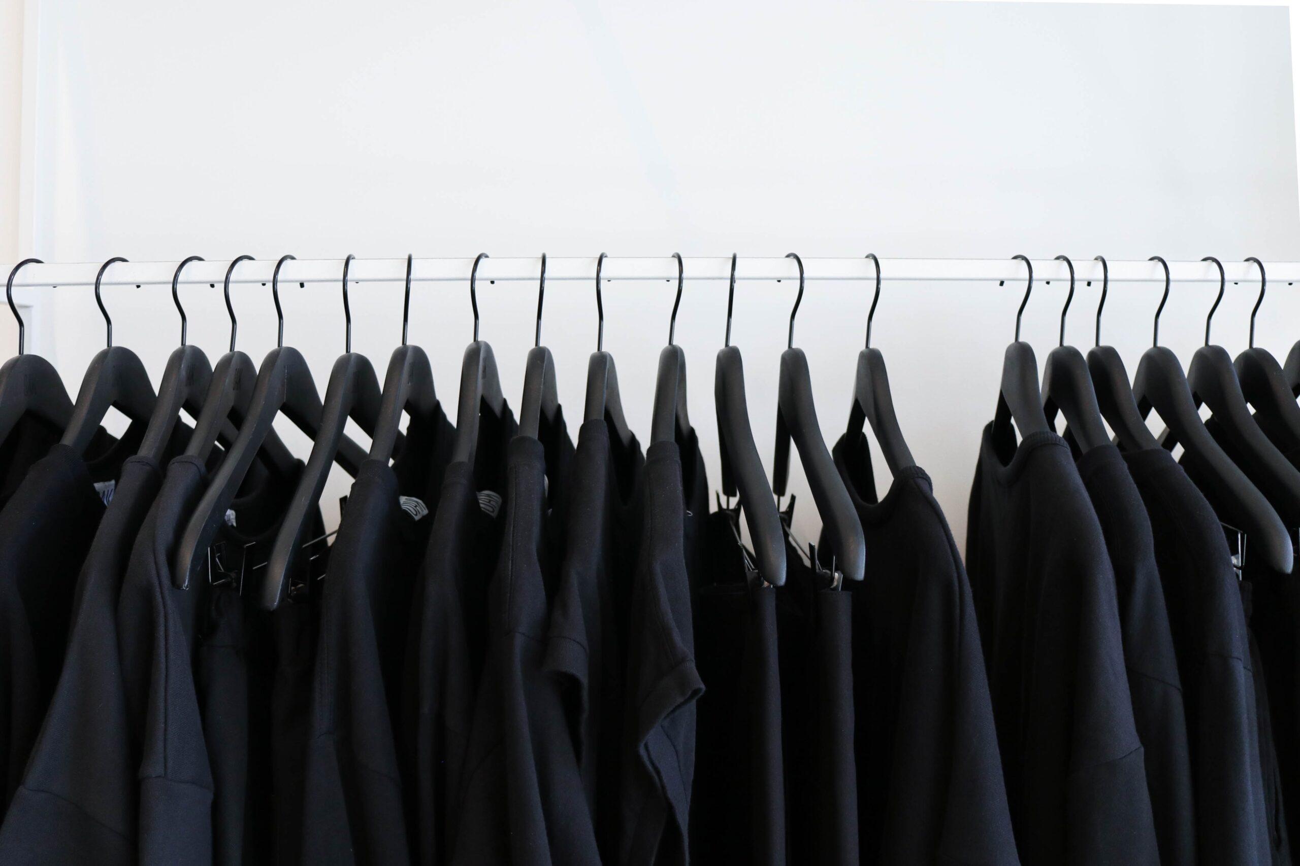 the creative exchange kWVImL5QxJI unsplash scaled - Il nuovo lusso è la moda unbranded