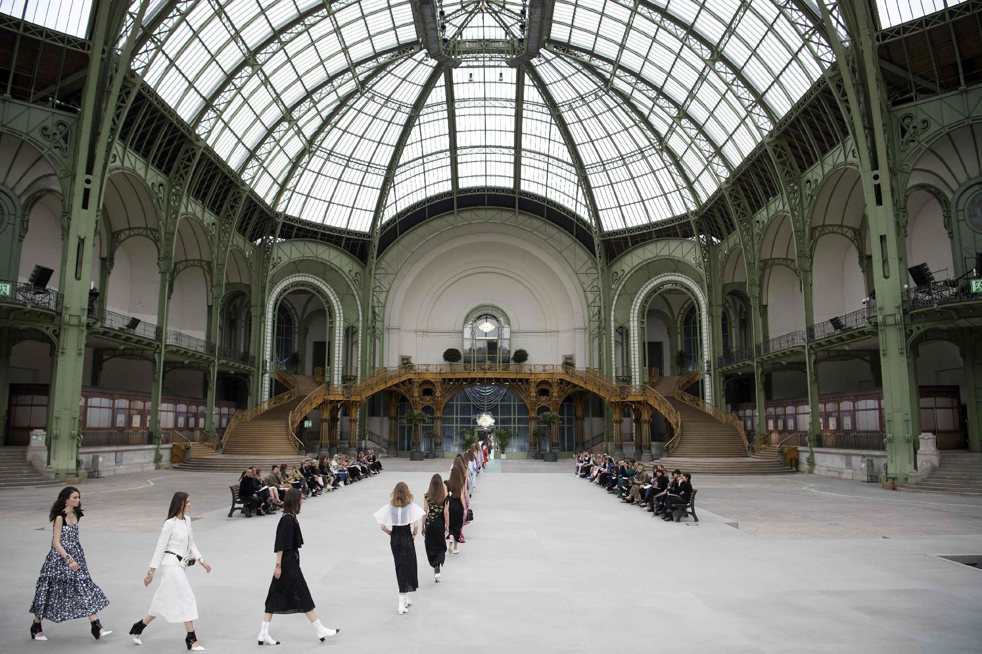 palais - Chanel Cruise Collection 2020