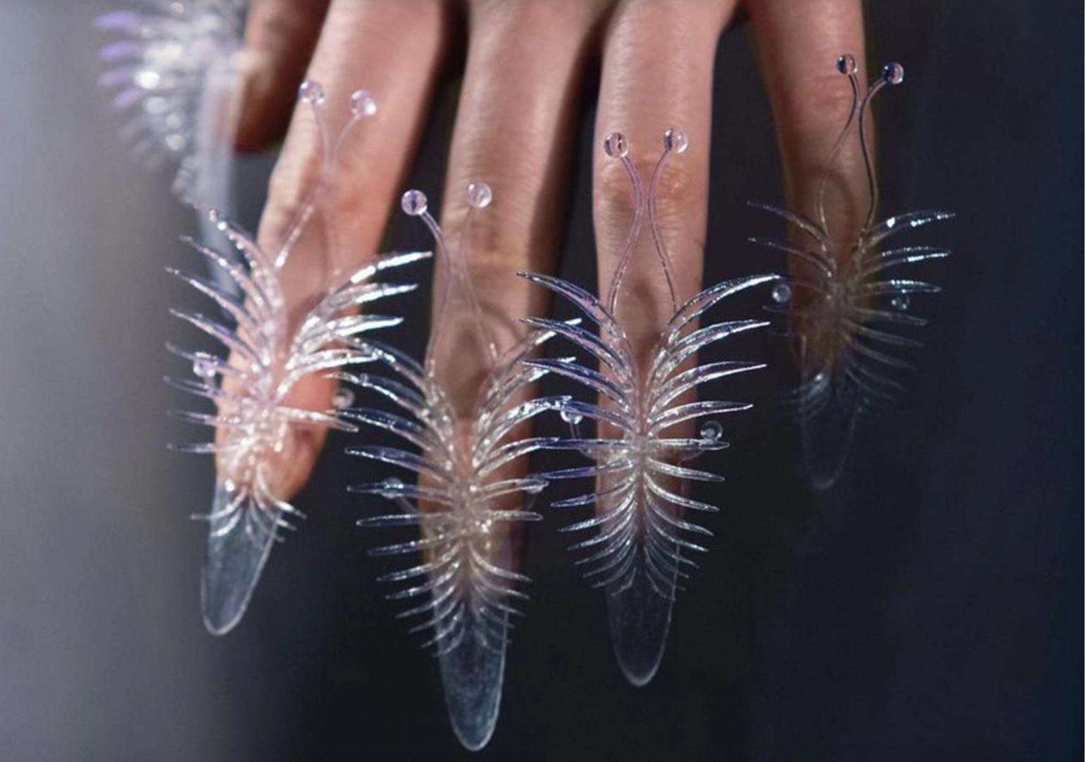 nail art van herpen - La nuova frontiera della tecnologia indossabile