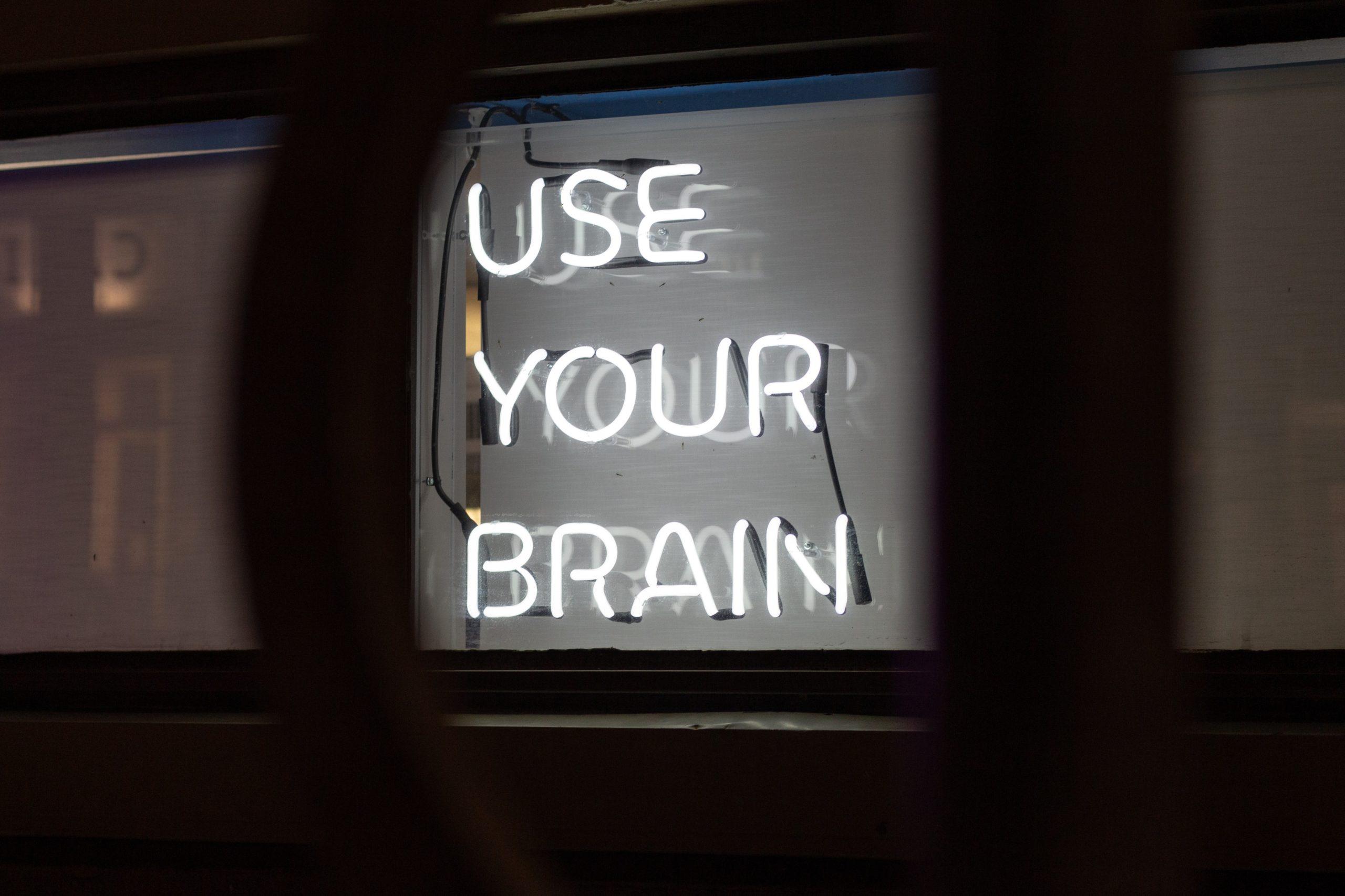 jesse martini Iod3vdjKE1E unsplash scaled - Neuromarketing: quando la pubblicità ti legge nel pensiero