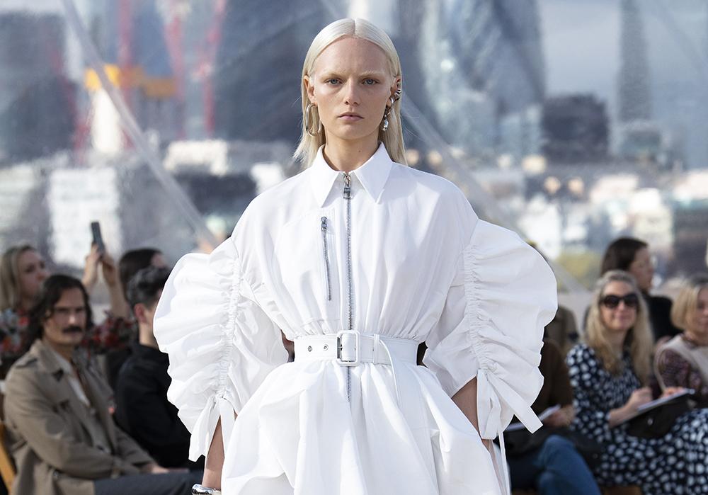 burton - Alexander McQueen: lo storyteller della moda
